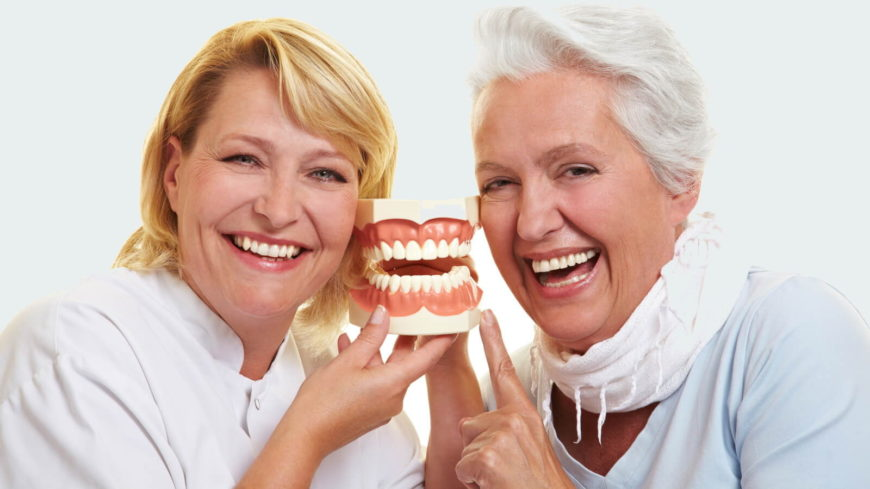 Протезирование зубов для пенсионеров по ОМС